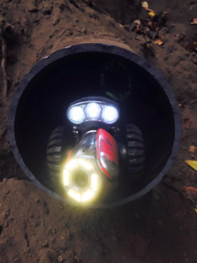 Inspectie van gasleiding grijs gietijzer rond 300 mm